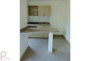 Apartamento en Calasanz, La America - 65mt, tres alcobas, balcón