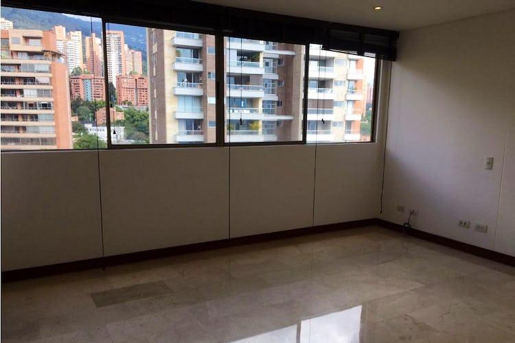 Portada Apartamento duplex en Las Lomas, El Poblado con terraza y 4 habitaciones - 438 mt2.