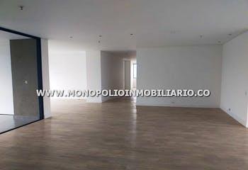 Apartamento en Los Balsos, Poblado - 220mt, tres alcobas, balcón