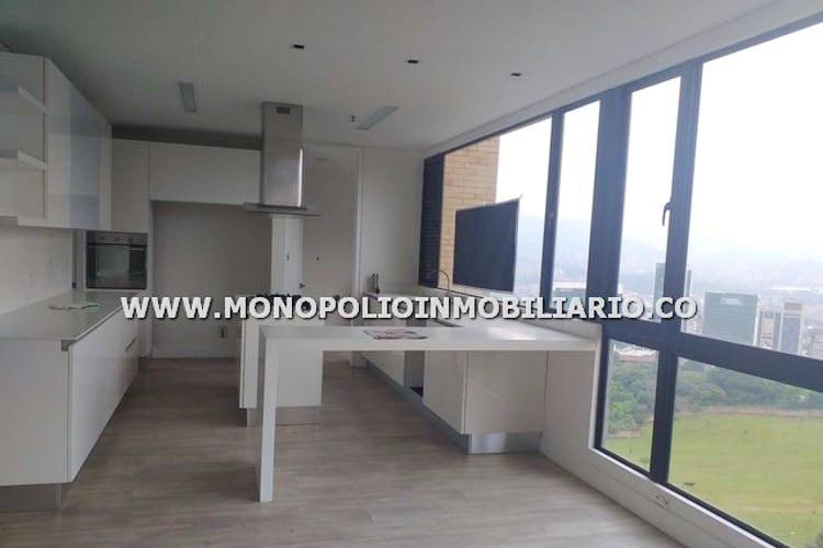 Foto 1 de Apartamento en Los Balsos, Poblado - 302mt, tres alcobas, piso 14