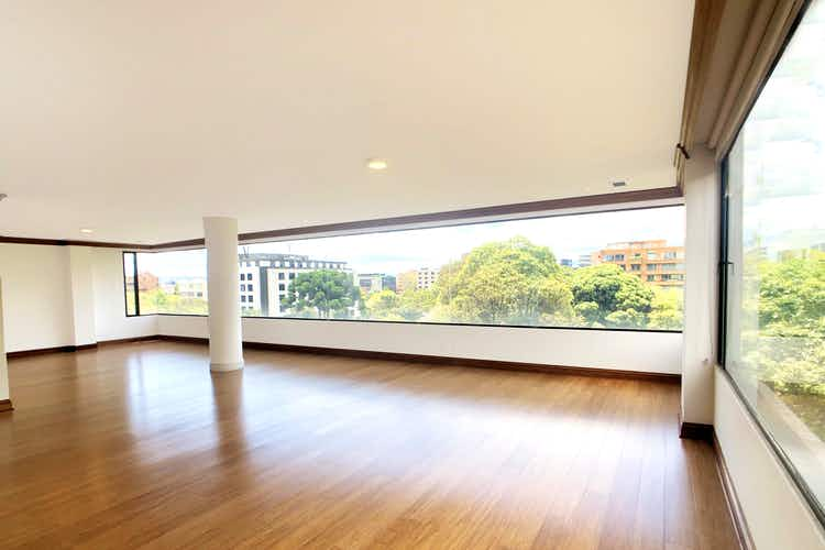 Portada Apartamento en La Cabrera, Chicó con 3 habitaciones y chimenea - 326 mt2.