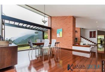 Casa en Las Palmas, Medellin - 2.800 mts, 4 habitaciones.