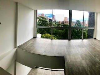 Una habitación muy bonita con una gran ventana en Edificio Borbon