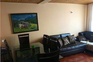 Casa en venta en Los Lagartos de 86mts, tres niveles