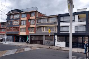 Casa de 112m2 en Primavera, Bogotá - con cinco habitaciones