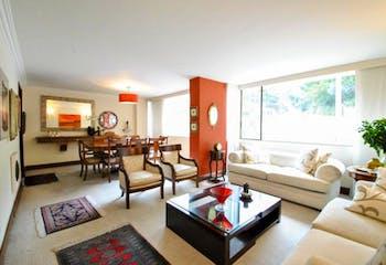Apartamento duplex en Chicó, El Refugio con 3 habitaciones y parqueadero - 135 mt2.