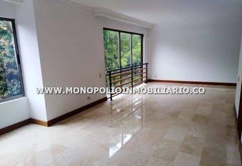 Casa Unifamiliar en El Esmeraldal, Envigado - Cuatro alcobas