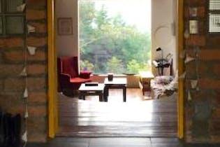 Casa en El Salado, Envigado - 250mt, tres alcobas, dos terrazas