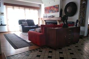 Casa en Casa Blanca, Suba con 6 habitaciones y sauna - 296 mt2.