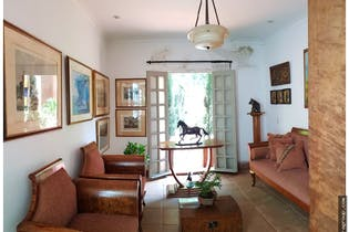 Casa en Provenza, Poblado - 550mt, cuatro habitaciones, jacuzzi, piscina