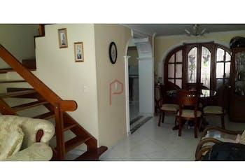 Casa en Calasanz, La América con 4 habitaciones, 3 niveles - 133 mt2