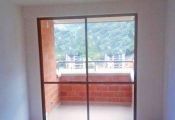 Apartamento En Vereda San Jose - Sabaneta, cuenta con tres habitaciones