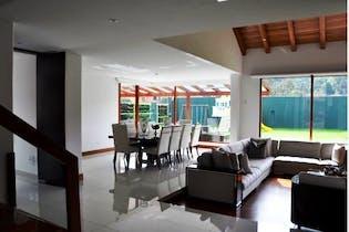 Casa en San Jose de Bavaria - Bogota, cuenta con tres niveles