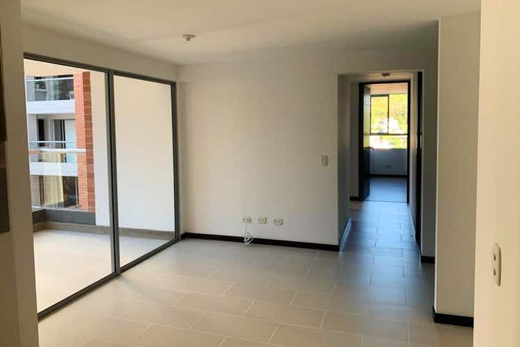 Portada Apartamento E Robledo -San German, cuenta con tres habitaciones