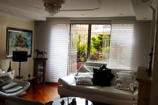 Apartamento en Salitre Greco, cuenta con tres habitaciones