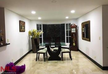 Parcelación Escobero, Casa en venta en Alto Del Escobero  de 500m² con Gimnasio...