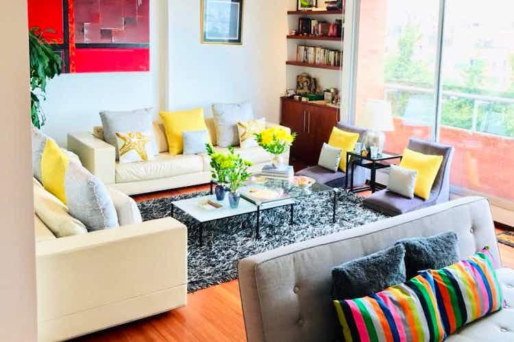 Portada Apartamento de 153m2 en Rosales, Bogotá - con tres habitaciones