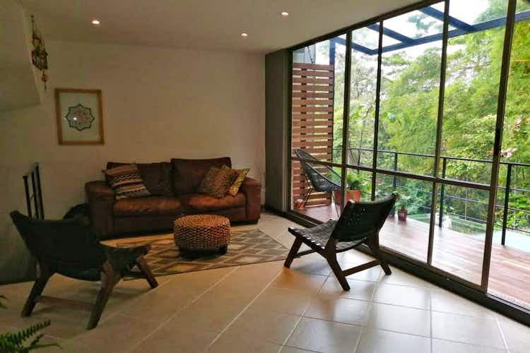 Portada Casa de 270m2 en Loma del Chocho - con tres habitaciones