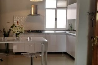 Apartamento en La Bolivariana-Laureles, con 3 Habitaciones y Balcón, 89 mt2
