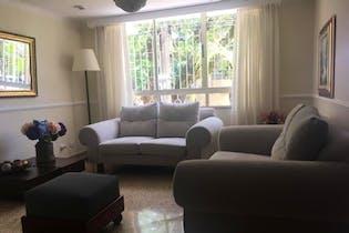 Apartamento La Bolivariana-Laureles, 4 Habitaciones y Balcón, 160 mt2.