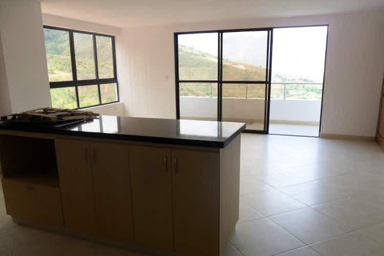 Portada Apartamento en Copacabana, con 3 Habitaciones y Balcón, 128 mt2.