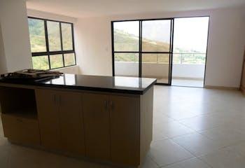 Apartamento en Copacabana, con 3 Habitaciones y Balcón, 128 mt2.