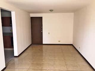 Un cuarto de baño con ducha y lavabo en Apartamento de 95m2 en Loma de los Bernal, Belén - con tres alcobas