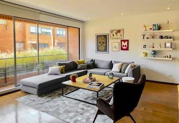 Apartamento en Rosales de 77 Mts, tercer piso.