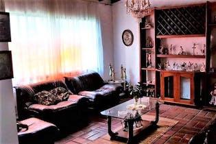 Casa en Conquistadores-Laureles, con 10 Habitaciones - 550 mt2.