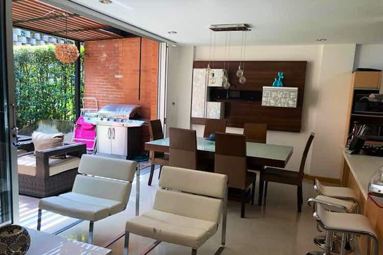 Portada Casa en La Loma del Atravezado-Envigado,  con 3 Habitaciones - 219 mt2.