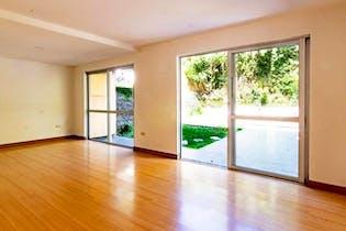 Casa en Loma de Benedictinos-Envigado, con 4 Habitaciones - 164 mt2.