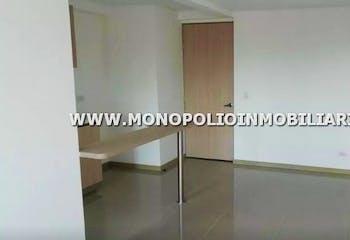 Apartamento en Loma Linda, Itagui - 64mt, tres alcobas, balcon