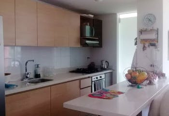Apartamento en Loma de San Jose, Sabaneta - 106mt, tres alcobas, balcón