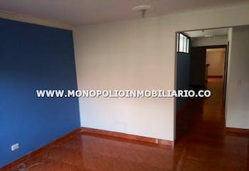 Casa en Bello Horizonte, Robledo - 100mt, tres alcobas, balcón