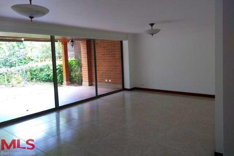 Portada Casa en La Estancia (Tesoro), cuenta con cuatro habitaciones