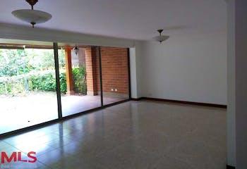Casa en La Estancia (Tesoro), cuenta con cuatro habitaciones