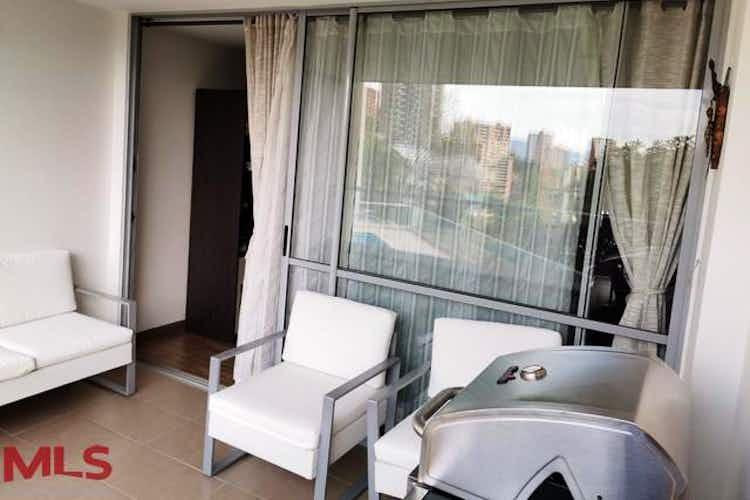 Portada Apartamento en Austral, Cuenta con tres habitaciones
