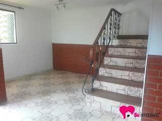 Una escalera que está sentada en una habitación en No aplica