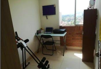 Apartamento de 60m2 en Belén Rincón, Medellín - con tres habitaciones
