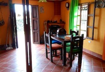 Finca en Venta en Marinilla, cuenta con 5 habitaciones y 3 baños.