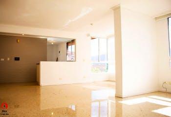 Apartamento en El Campestre, Poblado - 123mt, cuatro alcobas, ventanal