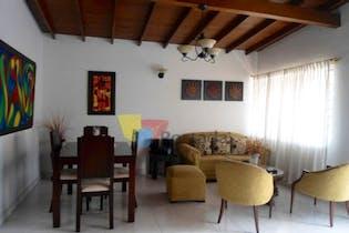 Casa en La America-Calasanz, con 4 Habitaciones - 129 mt2.