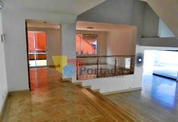 Casa en San Lucas-Poblado, con 4 Habitaciones - 337 mt2.