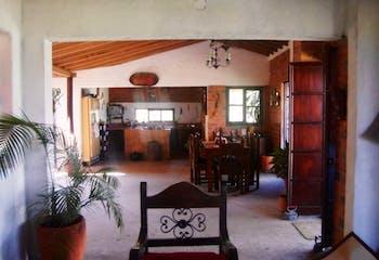 Casa en Venta en Copacabana, cuenta con 5 alcobas y 3 baños.