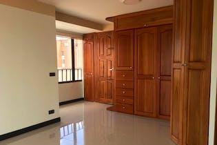 Apartamento en La Catellana, Laureles - 130mt, cuatro alcobas, duplex