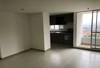 Apartamento en Las Antillas, Envigado - 77mt, tres alcobas, balcón