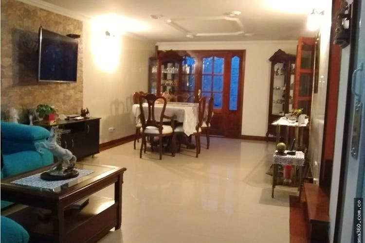 Portada Casa en Villas de Madrigal,  Eengativa, 4 Habitaciones- 172m2.