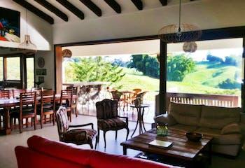 Finca en venta en Llanogrande de 4 habitaciones