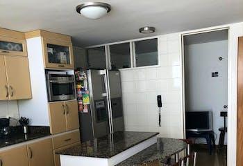 Casa en Zuñiga - Envigado, cuenta con cuatro habitaciones