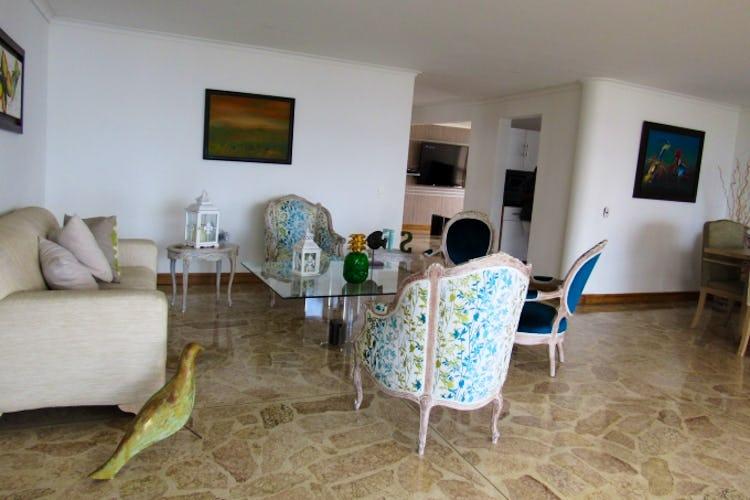 Portada Apartamento en El Poblado-Medellín, con 3 Habitaciones - 217 mt2.